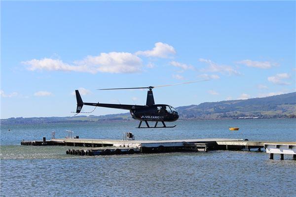【꿈해몽】헬리콥터를 타는 꿈의 의미와 상징