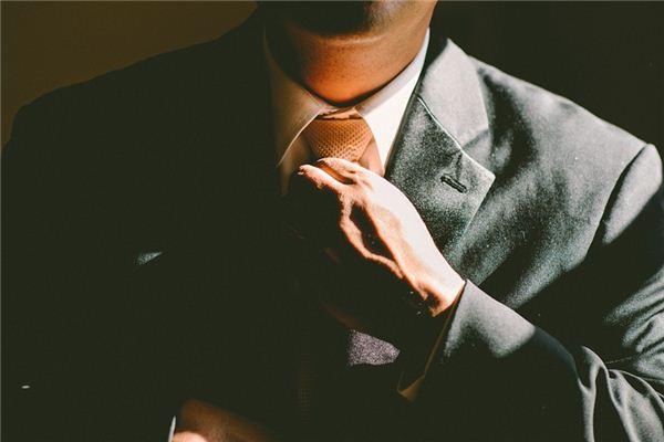 【꿈해몽】꿈에서 넥타이의 의미와 상징