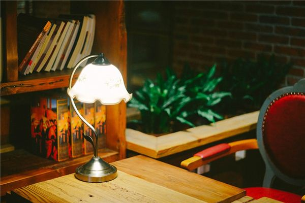【꿈해몽】테이블 램프의 의미와 상징에 대한 꿈